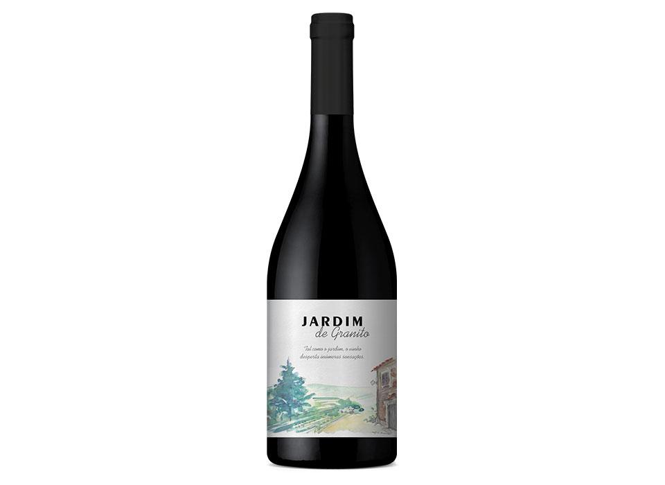 """Garrafa de vinho tinto, """"Jardim de Granito""""."""
